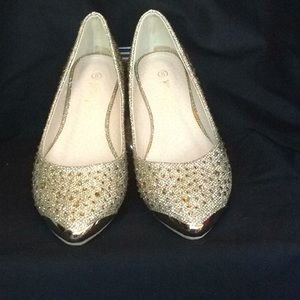 Nature Breeze gold sparkly party flats